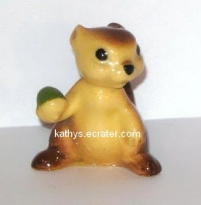 Hagen Renaker Chipmunk Mama #333 Animal Figurine