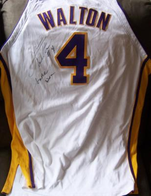 Luke Walton autographed Los Angeles Lakers game worn 2004-05 Reebok jersey