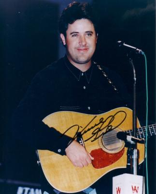 Vince Gill autographed 8x10 photo