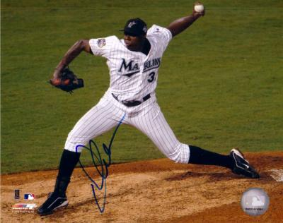 Dontrelle Willis autographed Florida Marlins 8x10 photo