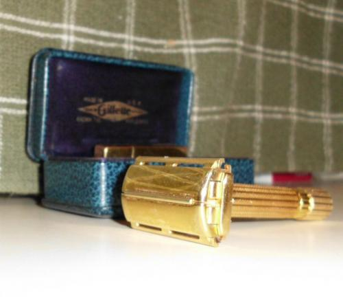 1947 Gillette Aristocrat Razor w Box Blade Safe