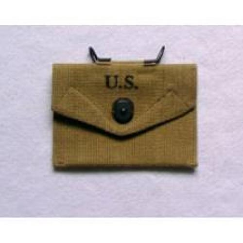 Militaria; US First Aid Pouch Army WW2 Military Equipment