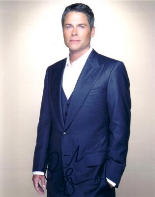Rob Lowe autographed 8x10 portrait photo