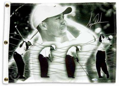 Tiger Woods autographed photo golf pin flag (UDA)