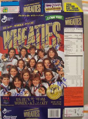 1998 USA Women's Hockey Olympic Gold Medal Team autographed Wheaties box (Cammi Granato)