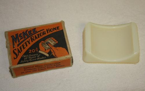 1940 McKee Glass Co Safety Razor Hone