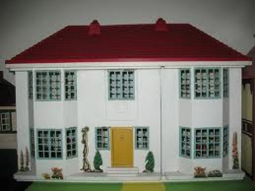 Dolls; Triang '50' Dolls House 1960's (renovated)