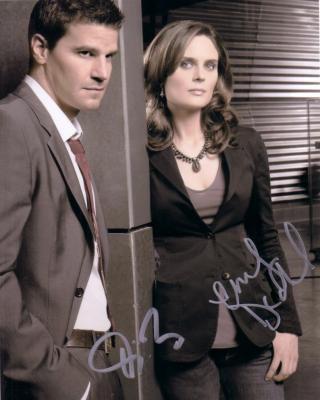 David Boreanaz & Emily Deschanel autographed Bones 8x10 photo