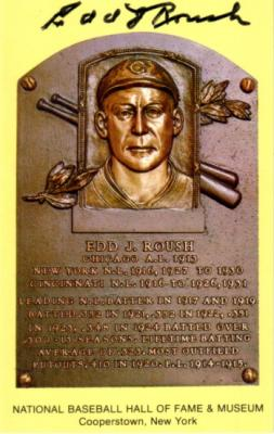 Edd Roush (Reds) autographed Baseball Hall of Fame plaque postcard