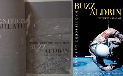 Buzz Aldrin autographed Apollo 11 Magnificent Desolation book
