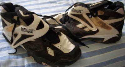 Frank Thomas autographed Chicago White Sox 1995 game worn Reebok Big Hurt shoes