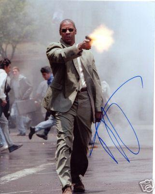 Denzel Washington autographed 8x10 photo