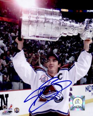 Joe Sakic autographed Colorado Avalanche 8x10 Stanley Cup photo