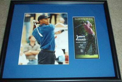 Tiger Woods autographed 2001 Williams World Challenge pairings framed with 8x10 photo