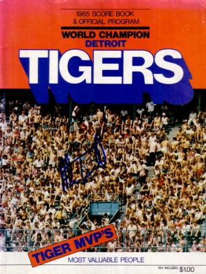 Alan Trammell autographed Detroit Tigers 1985 program