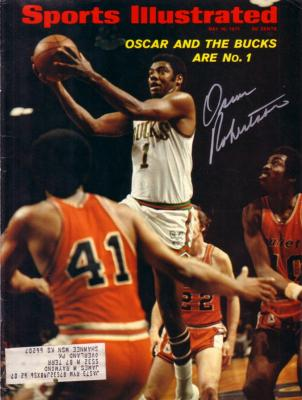 Oscar Robertson autographed Milwaukee Bucks 1971 Sports Illustrated