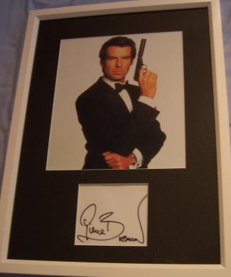 Pierce Brosnan autograph framed with James Bond 007 photo
