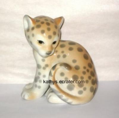 Lomonosov Russia Porcelain Sitting Leopard Cub Animal Figurine