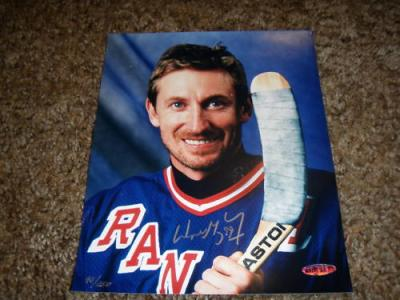 Wayne Gretzky autographed New York Rangers 8x10 photo UDA #45/250