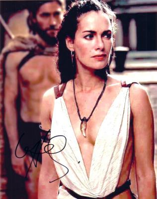 Lena Headey autographed 8x10 300 photo