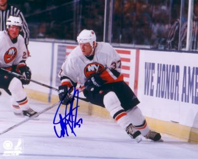 Mark Parrish autographed 8x10 New York Islanders photo
