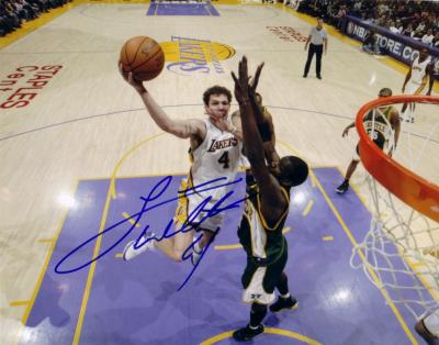 Luke Walton autographed Los Angeles Lakers 8x10 photo
