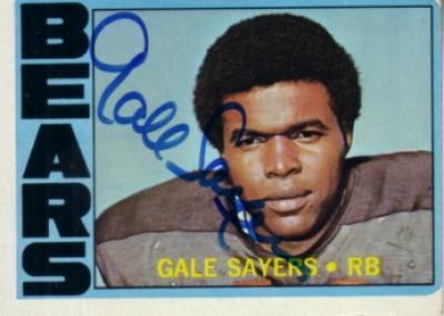 Gale Sayers autographed Chicago Bears 1972 Topps card