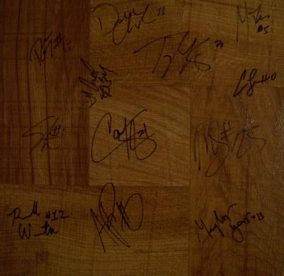 2009-10 Villanova Wildcats team autographed floor (Scottie Reynolds)