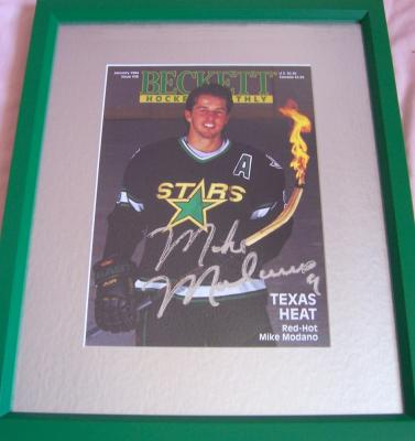 Mike Modano autographed Dallas Stars Beckett Hockey cover matted &amp; framed