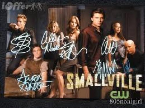 Memorabilia; smallville‑cast‑signed‑photo