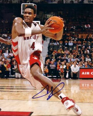 Chris Bosh autographed Toronto Raptors 8x10 photo