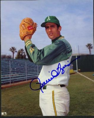 Rollie Fingers autographed Oakland A&#039;s 8x10 photo
