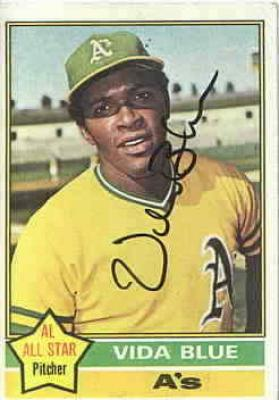 Vida Blue autographed Oakland A&#039;s 1976 Topps card