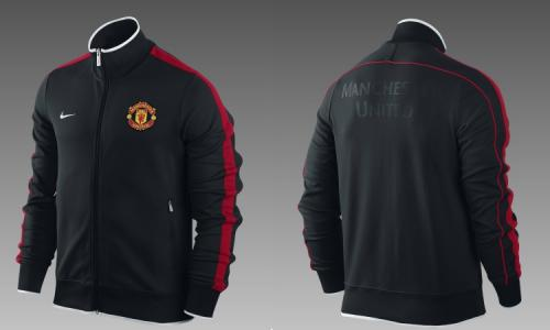 BRAND NEW NIKE MANCHESTER UNITED JACKET SMALL