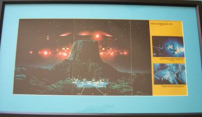 Richard Dreyfuss autographed Close Encounters poster matted &amp; framed