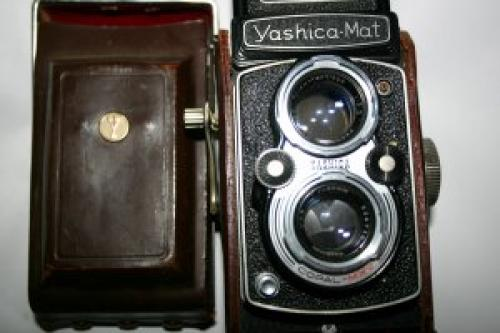 1957 YASHICA MAT COPAL MXV 66 TLR TWIN LENS REFLEX JAPANESE CAMERA