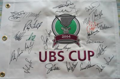 2004 UBS Cup golf autographed flag Fred Couples Raymond Floyd Arnold Palmer Gary Player Tom Watson