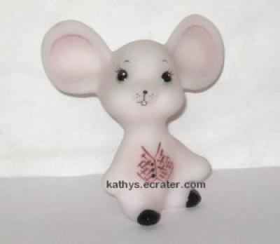 Fenton Pink Custard Glass  Mouse Animal Figurine signed T Dueley