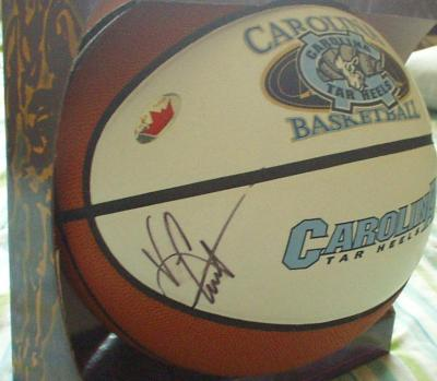 Vince Carter autographed North Carolina Tar Heels basketball (Fleer)