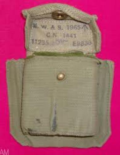 Militaria;  Compass case P-37 with interior padding