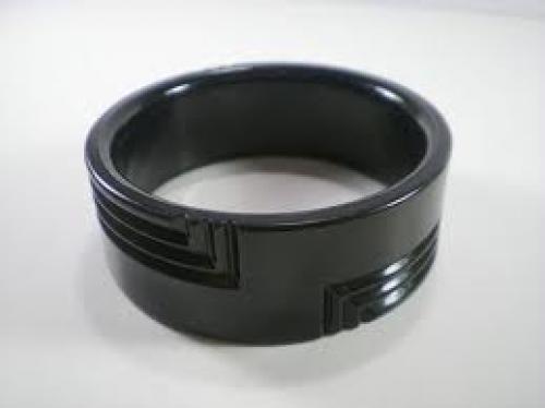 Jewelry; Vintage Black Lucite Bangle Bracelet by paleorama on Etsy