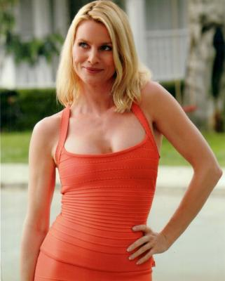 Nicollette Sheridan 8x10 Desperate Housewives photo