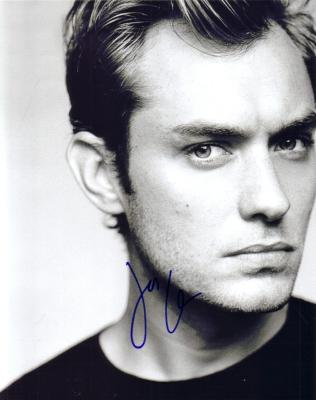 Jude Law autographed 8x10 portrait photo