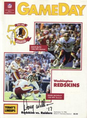 Doug Williams autographed Washington Redskins 1986 game program