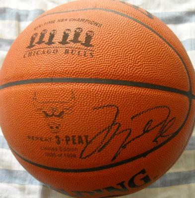 Michael Jordan autographed Chicago Bulls 6-Time NBA Champions game basketball