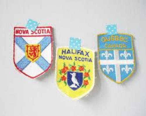 Patches; Canada vintage souvenir patch collection - colorful fabric patches