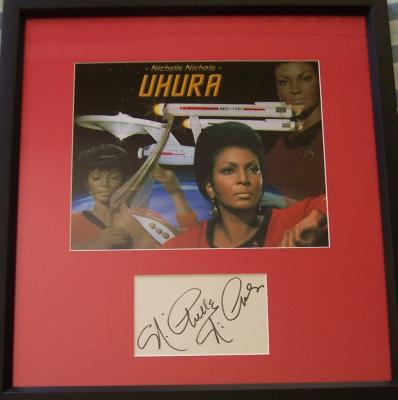 Nichelle Nichols autograph framed with Star Trek 8x10 Uhura photo