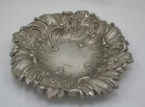 Antique silver plated victorian circular dish IMG 6391 300x222