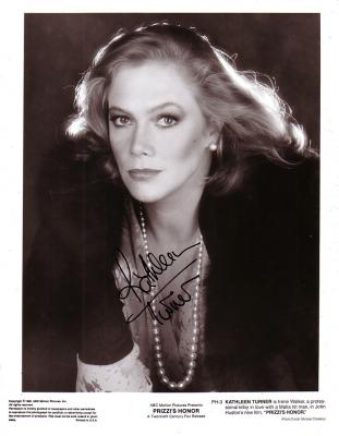 Kathleen Turner autographed 8x10 Prizzi&#039;s Honor black &amp; white photo