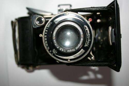 German 1931 Voigtländer Bessa Folding Camera With Flim Inside